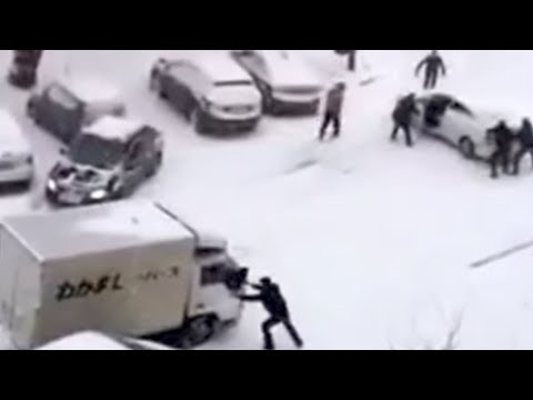 Parking In Russia Is Chaos