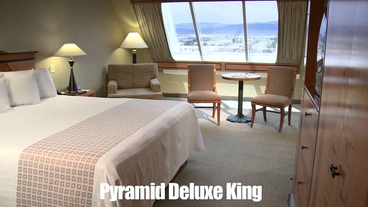 luxor hotel pyramid deluxe room