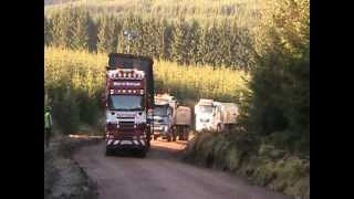 SCANIA R580 RAW POWER FROM A STANDING START PULLING AN 80RT CRUSHER