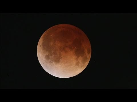Blood Moon: Lunar Eclipse Turns Moon Bright Red