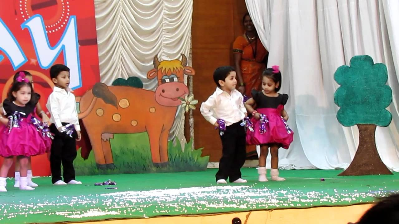 Kidzee annual day playgroup dance 2012 youtube for Annual day stage decoration images