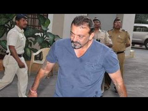 EXCLUSIVE  : Sanjay Dutt RETURNS From JAIL 30 Days PAROLE AGAIN