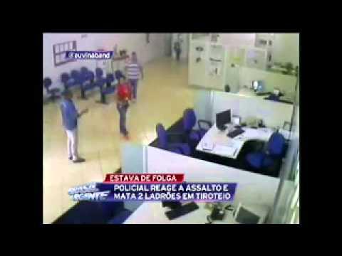 Policial reage a assalto à banco e mata 2 bandidos