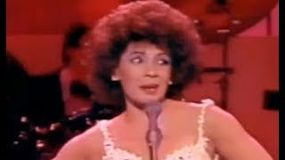 Shirley Bassey - Nobody Does It Like Me / S'Wonderful (1985 Cardiff Wales Concert)