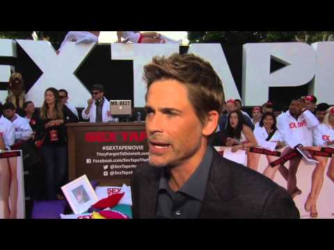 "Sex Tape: Rob Lowe ""Hank"" Red Carpet Premiere Movie Interview"