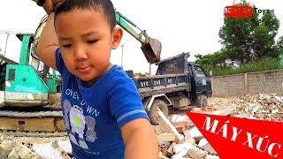 Excavator and Truck | Excavator Working Hard at VietNam