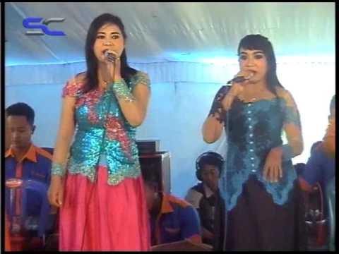 SURYA CHANDRA Electone - Tombo Kangen.   ( live sukowidi Magetan )