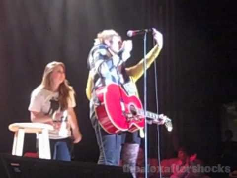 Boys Like Girls Bringing Fans on Stage and KISSING One Of Them (December 10, 2010)