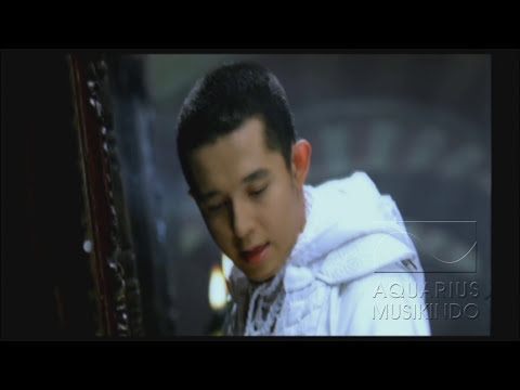 Melly Feat Amee - Ketika Cinta Bertasbih | Official Video