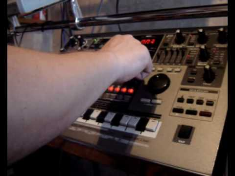 Roland MC-505 Electronic Track Video