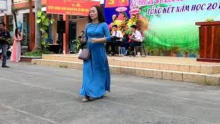 Ban nhạc lớp 9A4 ( lễ tổng kết năm học 2017-2018 của trường THCS Tam Bình )