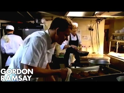 Ramsay Disgusted by Chaotic Kitchen and Deep-Fried Food - Gordon Ramsay