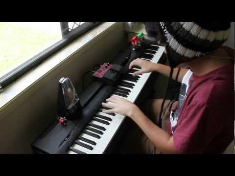 GORILLAZ (Clint Eastwood/Feel Good Inc.) - Piano and Beatbox Cover