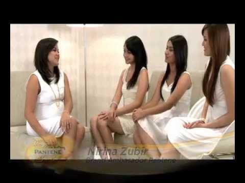 Nirina Zubir memberikan coaching kepada finalis Anggun Cari Bintang Pantene 2012