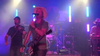 Watch Kevin Fowler Fat Bottomed Girls video