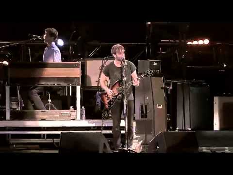 The Black Keys - Lonely Boy Live at @Lollapalooza 2013 Chile HD