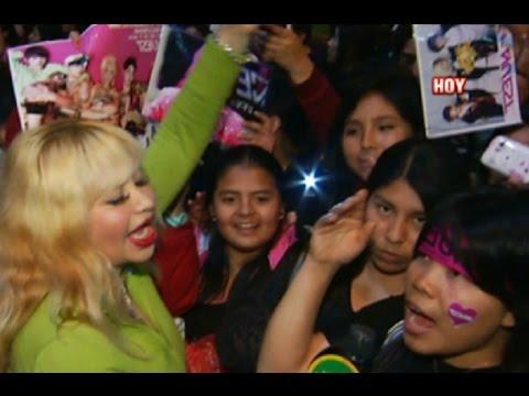 Susy Díaz ya ama el K-Pop y enloqueció con concierto de Nu'Est