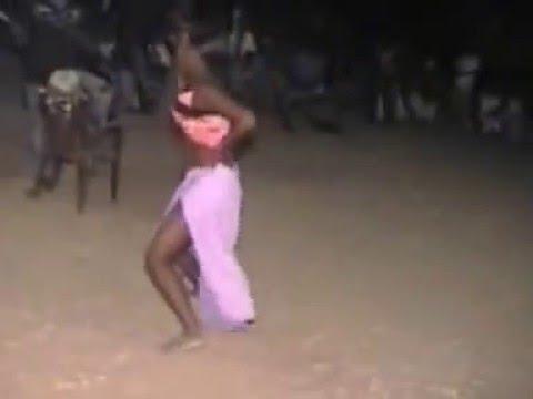 Un spectacle de sabar se transforme en film porno thumbnail