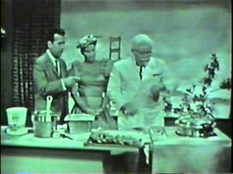 Colonel Harland Sanders shows Tennessee Ernie Ford & Minnie Pearl how he cooks his KFC chicken