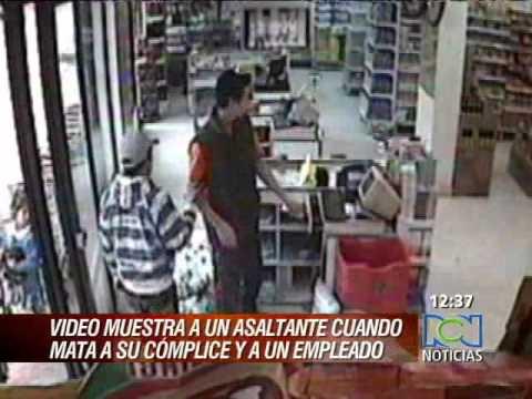 En video quedó registrado el homicidio de dos hombres en un supermercado RCN
