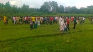গ্রামে ফুটবল খেলার অংশ দেখুন- grame footbal khelar drisho dekhun-foot ball match in village