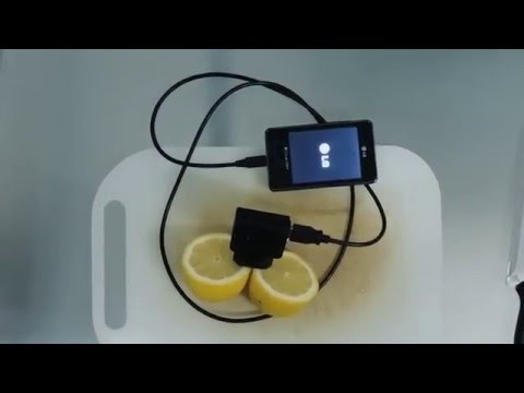 شاهدوا كيفية تعبئة بطارية الهاتف من خلال استعمال ليمونة