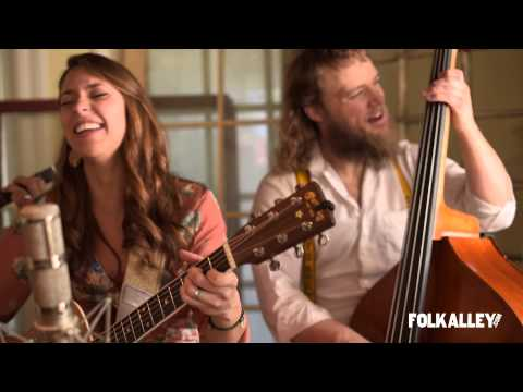 Lindsay Lou And The Flatbellys - Old Song
