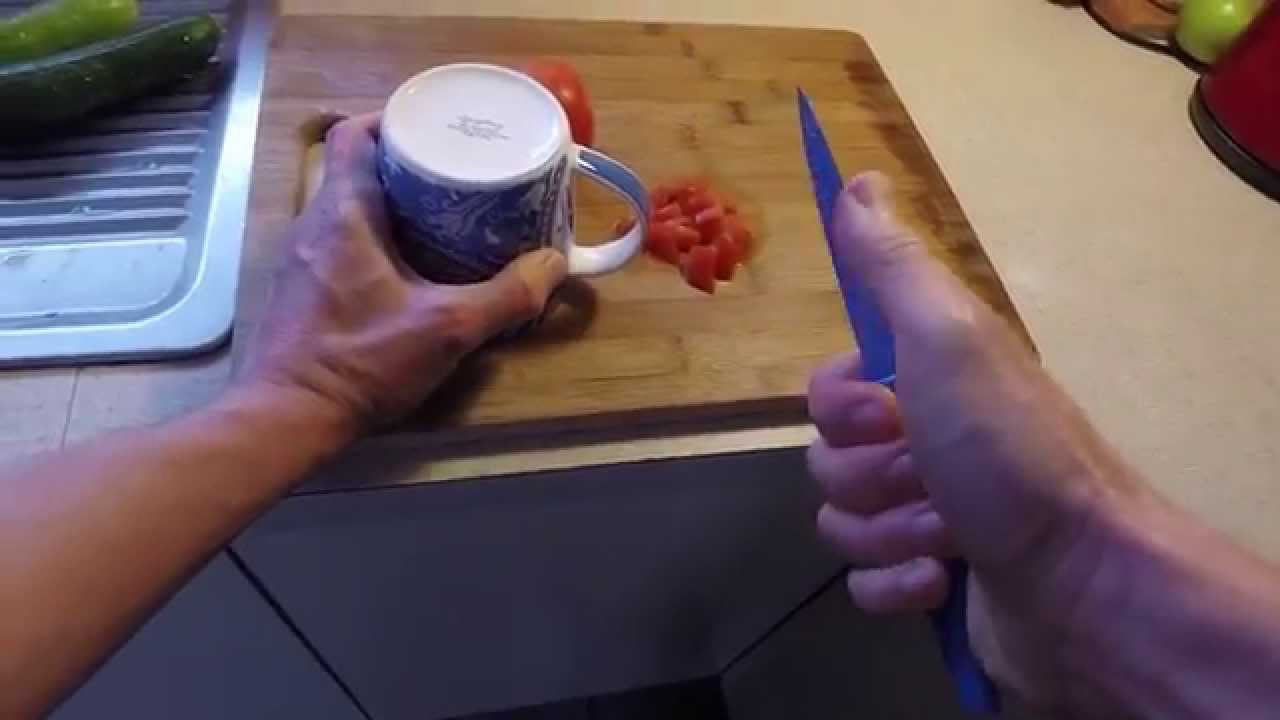 Sharpen Kitchen Knives With No Special Tools