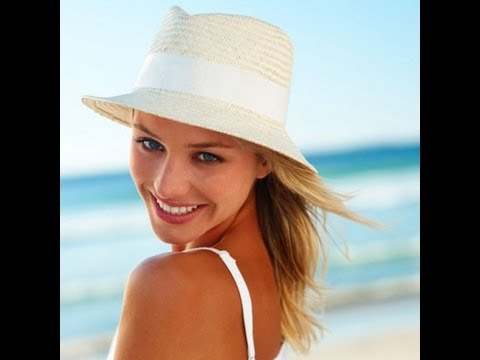 Acne & Sun Protection: Sunscreens That Keep You Protected & Won't Break You Out