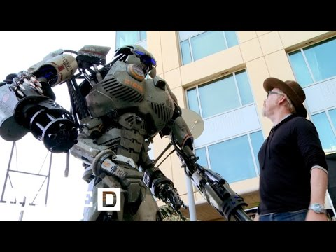 San Diego Comic Con 2013: Giant Robot Storms-Geek Week-WIRED
