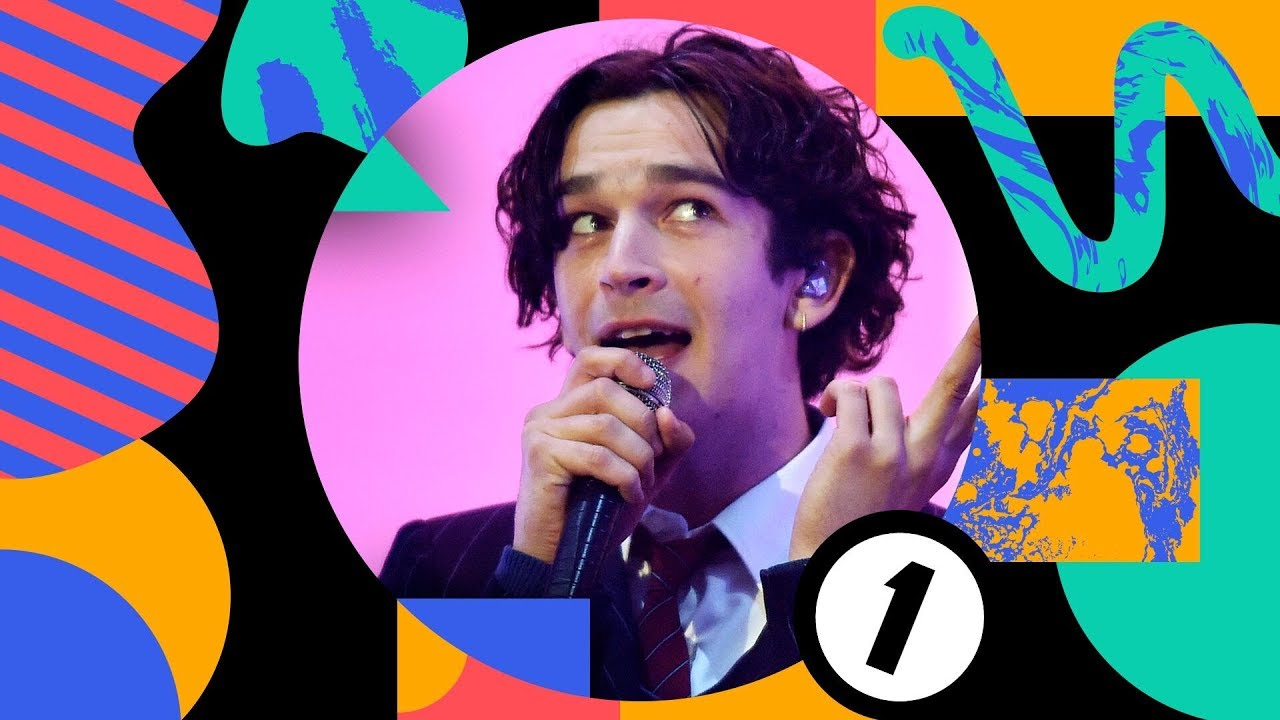 """The 1975 - BBC「Radio 1's Big Weekend 2019」から""""It's Not Living If It's Not WIth You""""のライブ映像を公開 thm Music info Clip"""