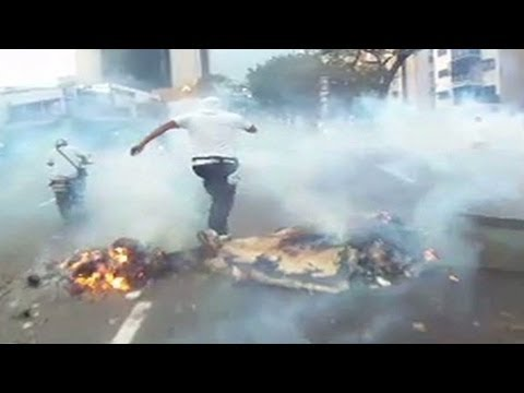 Violence spreads across Venezuela following election
