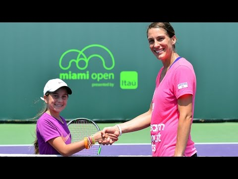 Andrea Petkovic Practices With Young Fan | Miami Open