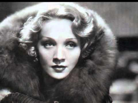 """Marlene Dietrich """"Candles Glowing"""" (Blonde Venus In Furs n°1)."""