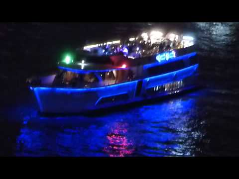 Restaurant Boat in Bangkok on Chao Phraya river