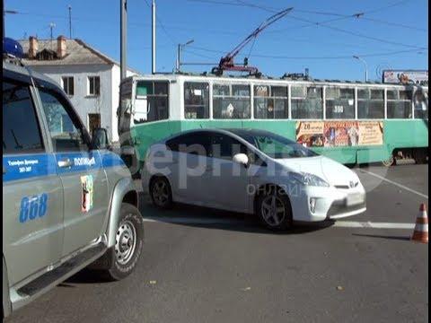 Спорное ДТП с участием  иномарки и трамвая произошло в Хабаровске. MestoproTV