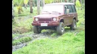 1987 Mitsubishi Pajero Going through a little mud