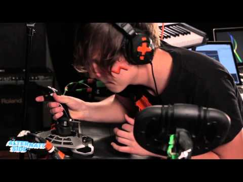 Robert DeLong - Where We're Going (Live @ WFUV, 2013)