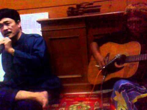 KH Nuril Arifin (Gus Nuril): KH Abdurrahman Wahid (Gus Dur)
