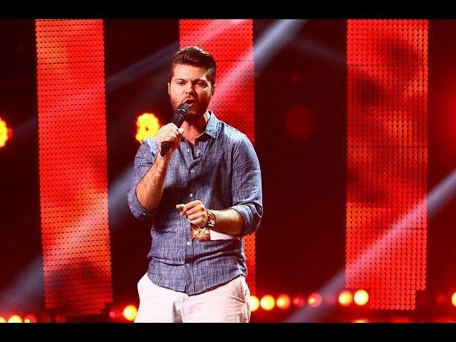 Chuck Berry - Go Johnny Go. Vezi aici cum cântă Daniel Pascu, la X Factor!