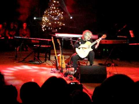 Gordon Giltrap playing Heartsong at Marlborough 19th Dec 2009
