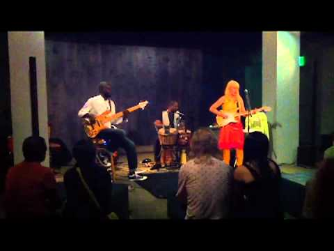 Leni Stern Trio - Dakan - 7-21-2012