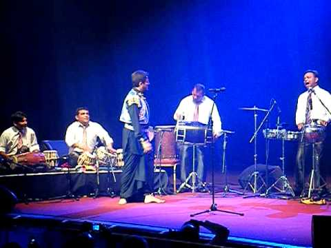 GURDAS MAAN  Royal Albert Hall 230411 CHALLA & a woman with...