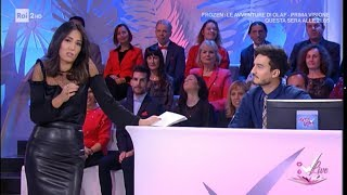 Caterina Balivo in gonna di pelle nera (with leather black skirt)