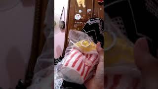 SEKUISI POP CRON DAN SEKUISI CAKE MURAH HARGANYA BELI DI TOKO MAINAN DI DKT SD HATAHIRIA YANG KIRI