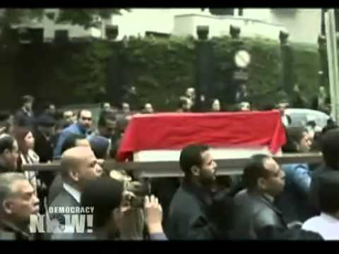 Symbolic Funeral March Held for Egyptian Journalist Shot Dead by Sniper While Covering Cairo Protest