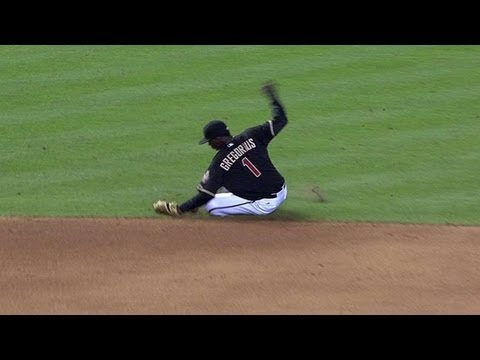 SF@ARI: Gregorius makes a nice sliding stop at short