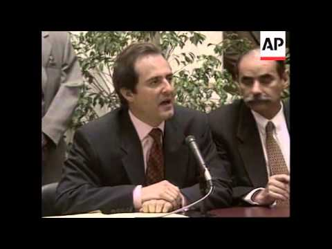 COLOMBIA: BOGOTA: GOVERNMENT ACCUSED OF ACCEPTING DRUGS MONEY