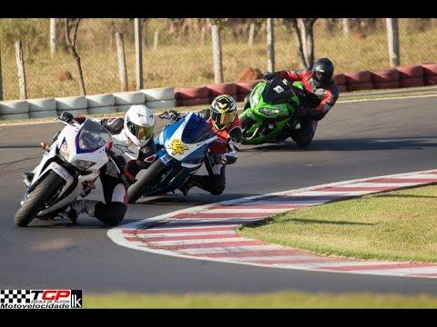 Ninja 250 Vs. Ninja 300 Vs. CB500 Vs. Comet GT250R - Estilo MotoGP !!