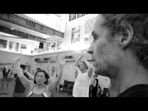 Свами Даши. Небольшое видео о нем, его жизненной позиции и отношении к практикам.